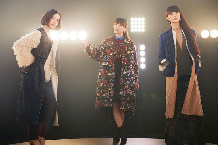 Perfume_-_STAR_TRAIN_Promo
